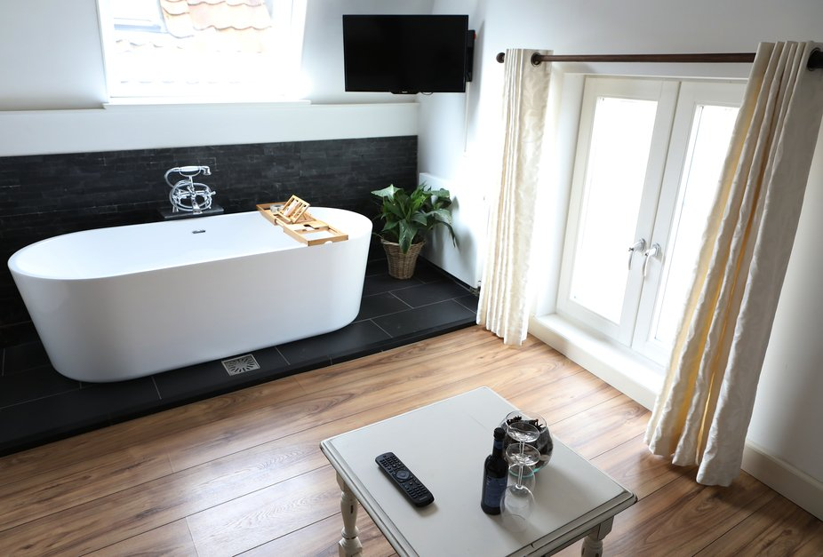Nestled in the old historic town of Brielle in the Netherlands you will find B&B De Zeeuw...