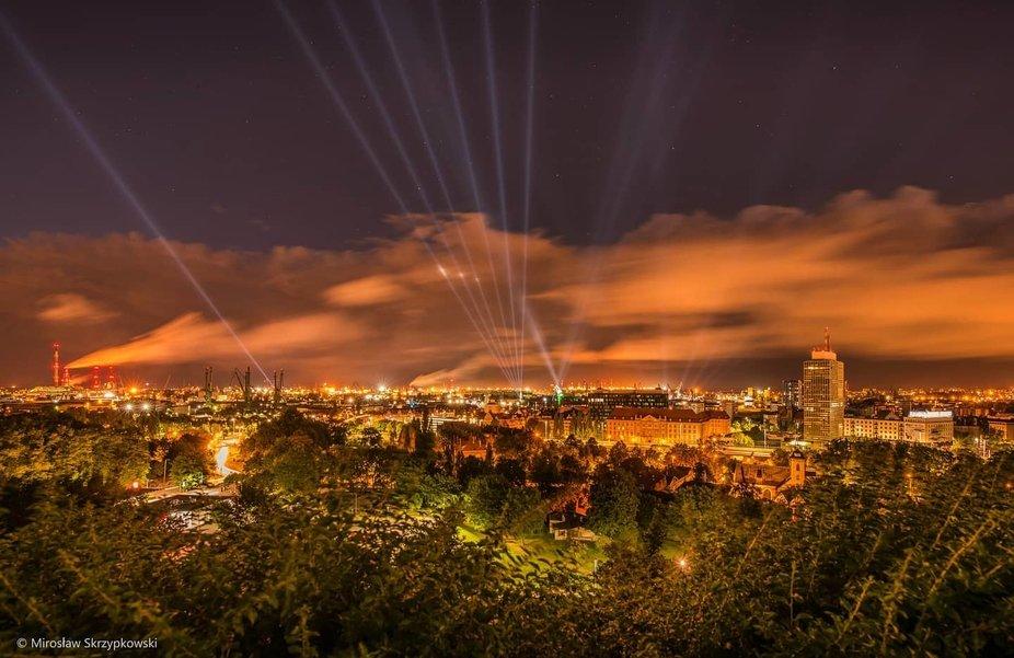 Gdansk noca… i jego swiatl'a...    GdaÅnsk by night and its lights ...    #gdansk #night #li...
