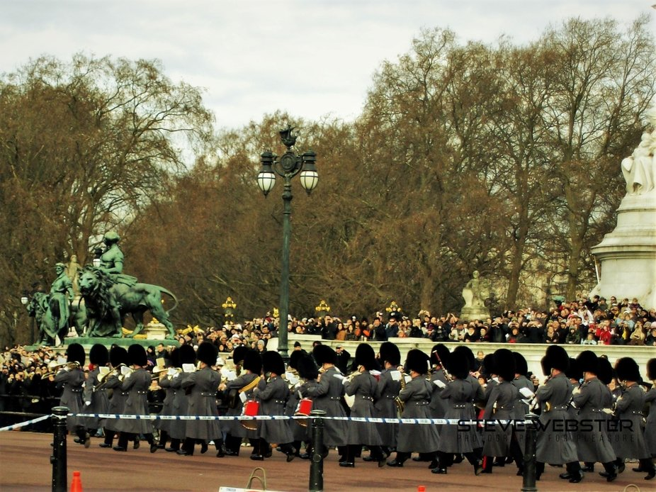 The Guard marching on The Mall 2011.JPG
