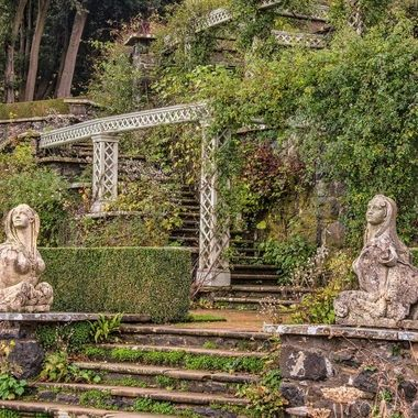 Steps and Figures from the Pinmill Terrace at Bodnant