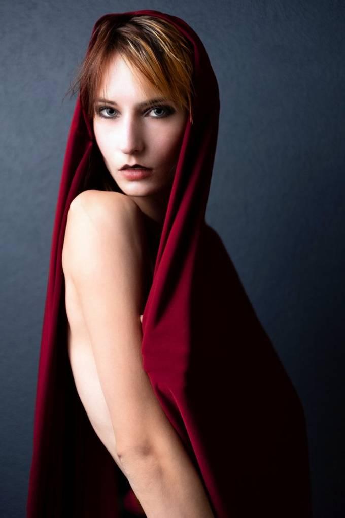 Model: Kristen HMUA: Kristen