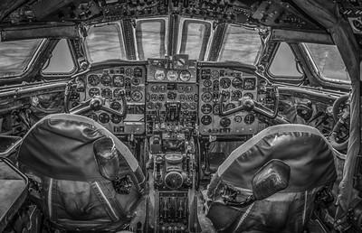 De Havilland Comet cockpit HDR
