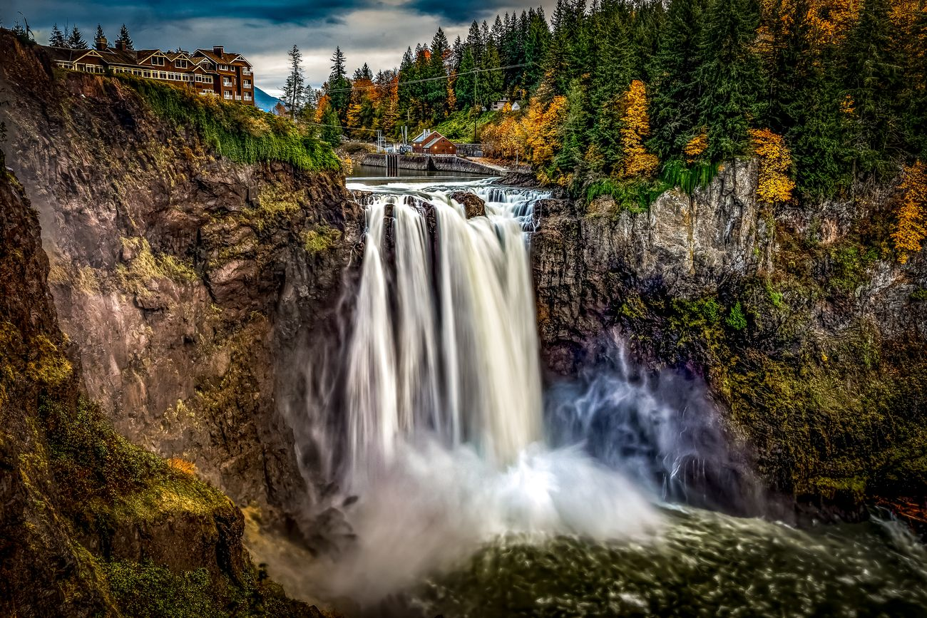 Fall at the Falls ... amazing colors in the Pacific Northwest.