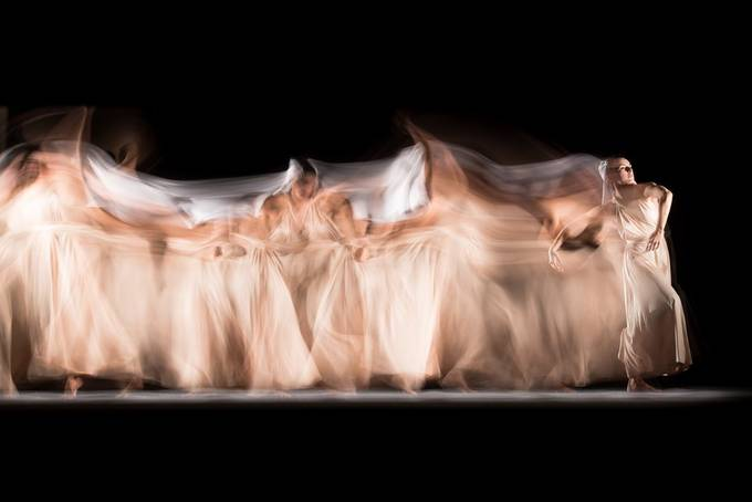 Long exposure studio session with professional dancer Candela Murillo (@kamusa_art).  20201026 081 Candela.JPG