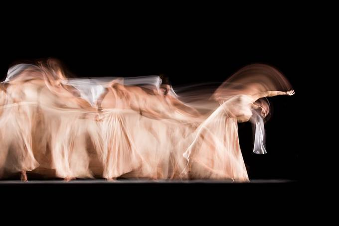 Long exposure studio session with professional dancer Candela Murillo (@kamusa_art).  20201026 087 Candela.JPG