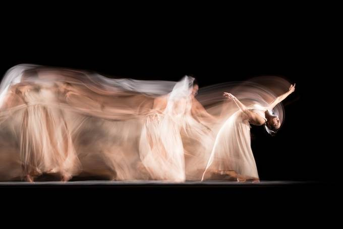 Long exposure studio session with professional dancer Candela Murillo (@kamusa_art).  20201026 090 Candela.JPG