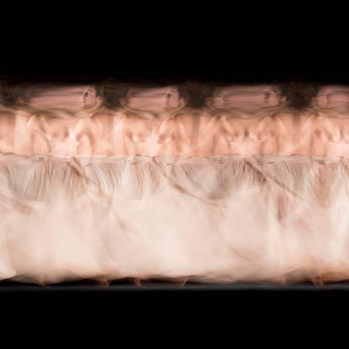 Long exposure studio session with professional dancer Candela Murillo (@kamusa_art).  20201026 122 Candela.JPG