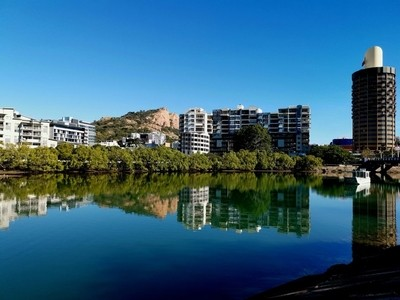 """""""Reflecting Townsville"""""""