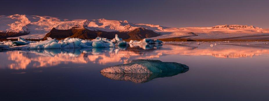 Dawn at glacier lagoon