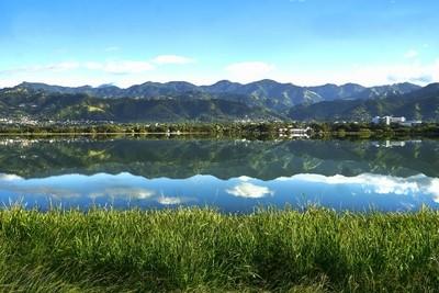 Blue Mountains over Mona