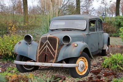 The Citroën Traction Avant, lost glory.