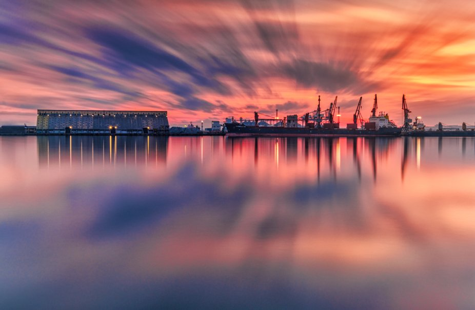 Sunset over the harbor. I took this photo on long exposure 200.00s.