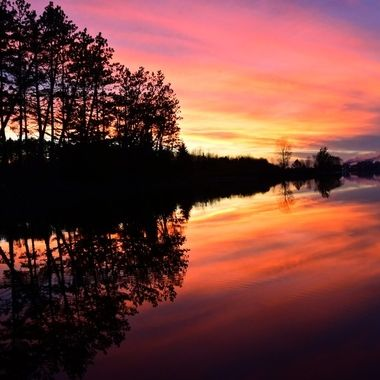 Sunset from upper Rainy River off the VNPHQ fishing dock
