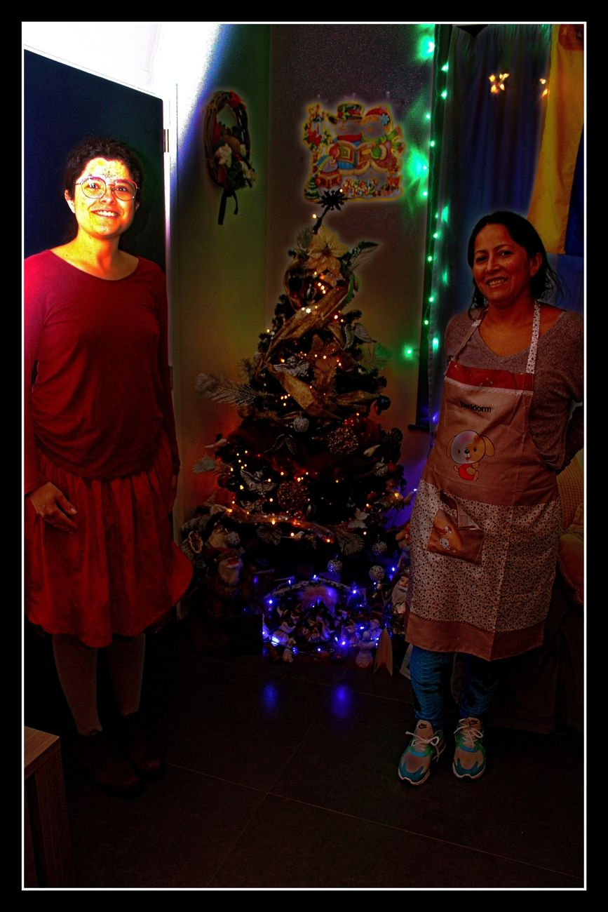 Latina Women Today I made a report on these two Latina Women Beautiful decorations everywhere Everything will soon appear on my Blog https://groetenuittienen.blog/ Sincerely Theo-Herbots-Journalist-Photographer