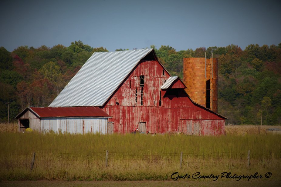 I truly love old barns, the memories of playing in them and the smell of inside of them, the part...