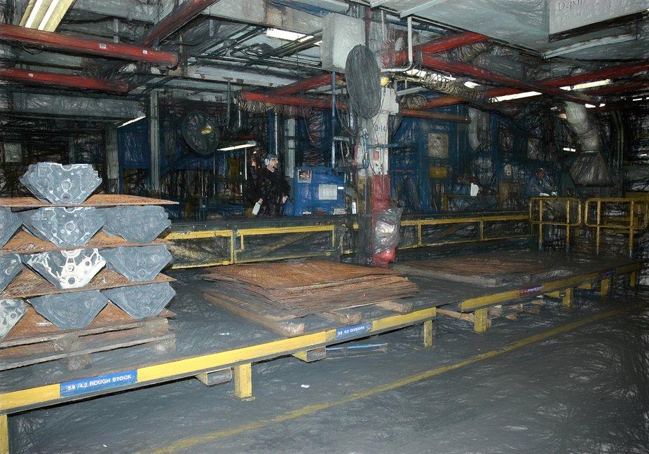 Grinder load station and Block line