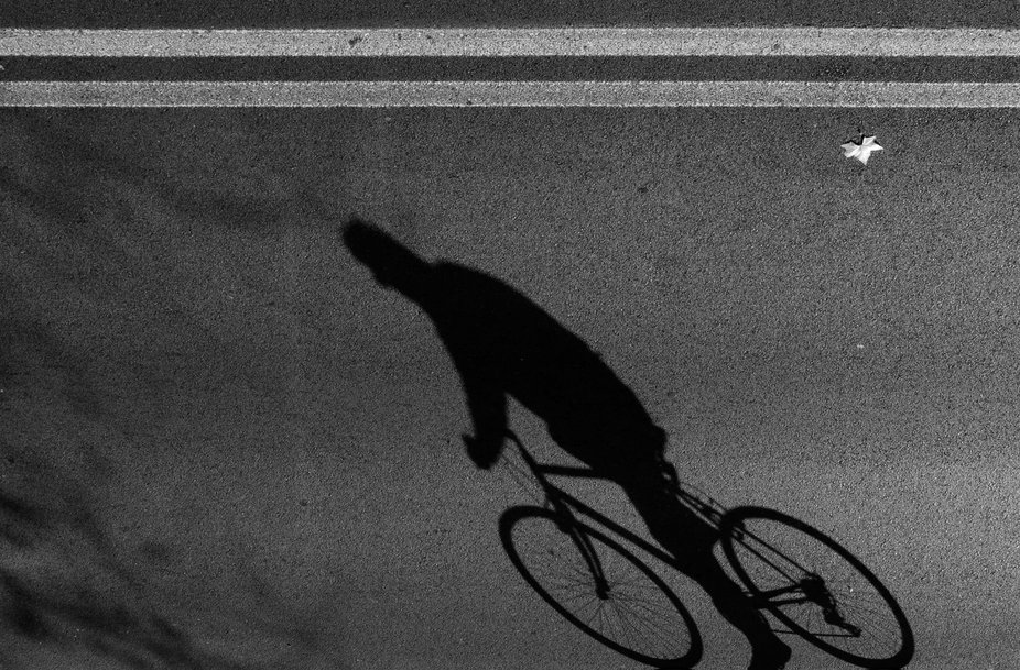 Even only the shadow of a cyclist can tell a urban story