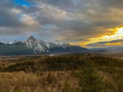 Hawgwilget Peak