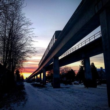 Rise and Shine #colddays❄️ #snowfall #burnaby #Canada #westcoast #skytrain #translink #sunrise #colors #mytranslink