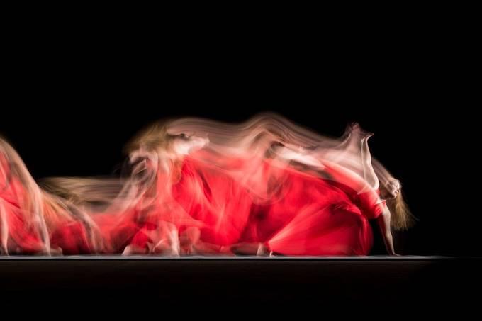 Long exposure photography with dancer Michelle Arkesteijn.