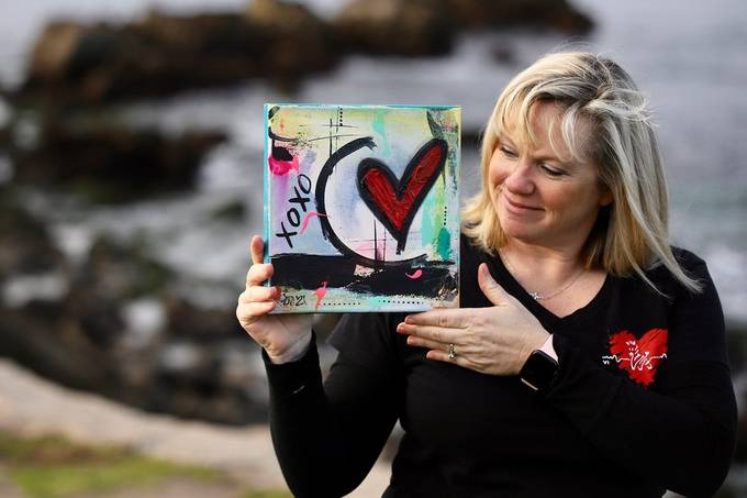 Recent photo shoot for a professional healthcare colleague who sprcializes in teaching cardiology courses to new Nurses, paramedics and MD's.  She also creates art celebrating matters of the Heart.   This images during our lifestyle session captures her j