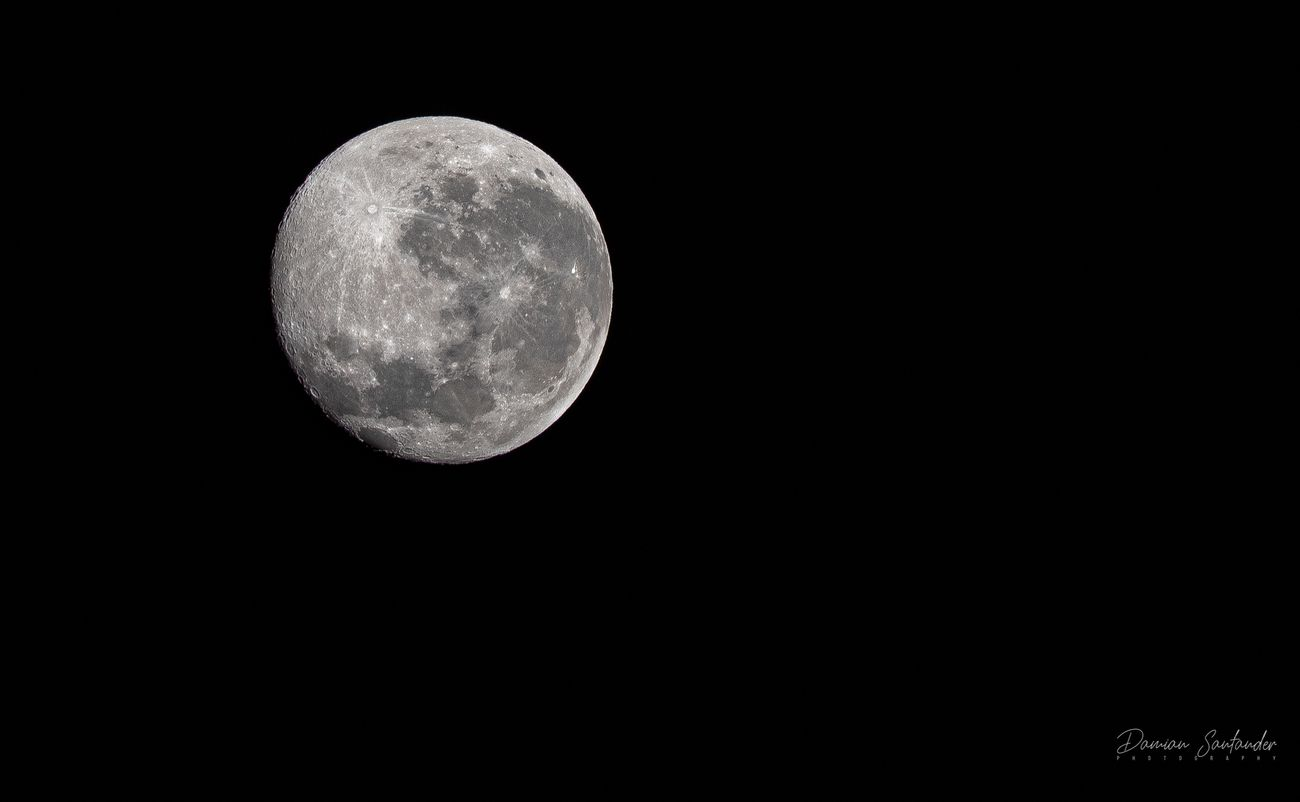 Luna de Lobo o Luna de Hielo