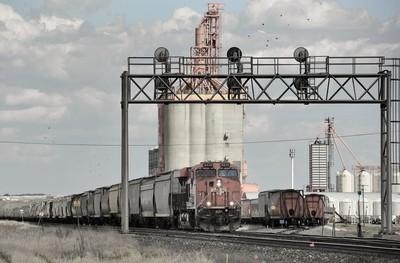 Prairie Trainscape - Low Sat