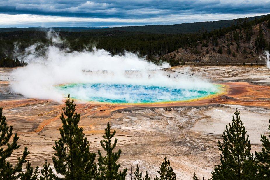 Grand Prismatic Spring (Yellowstone, WY)