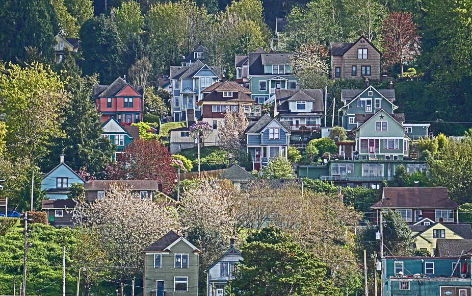 The majority of the residences in Astoria are built on the hillside above the city.
