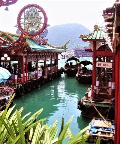 Old Hong Kong harbour