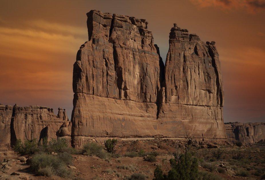 DESERT WALLS