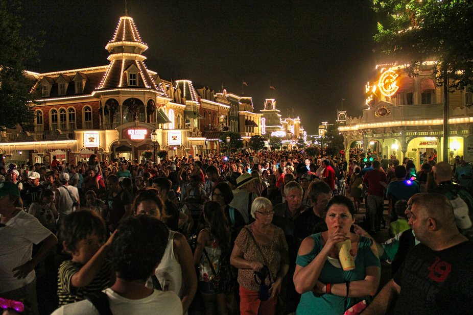 Waiting for Wishes fireworks, view down Main street away from castle. Taken well before Covid 19 restrictions.