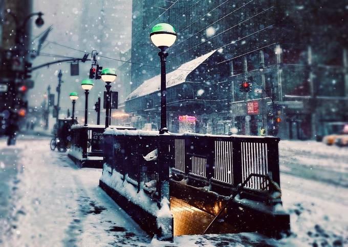 Subway by Natulya - Empty Streets Photo Contest