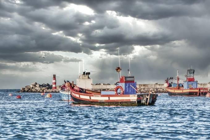 Dramatic harbour