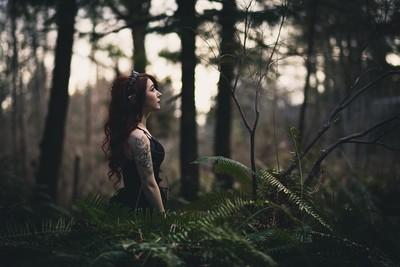 Gelfling in the woods