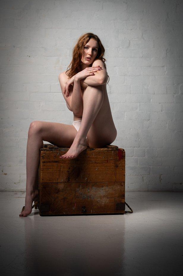 #lingerie #blacklingerie #model #blackfingernails #legs #woodenbox #mood #redhair #bare