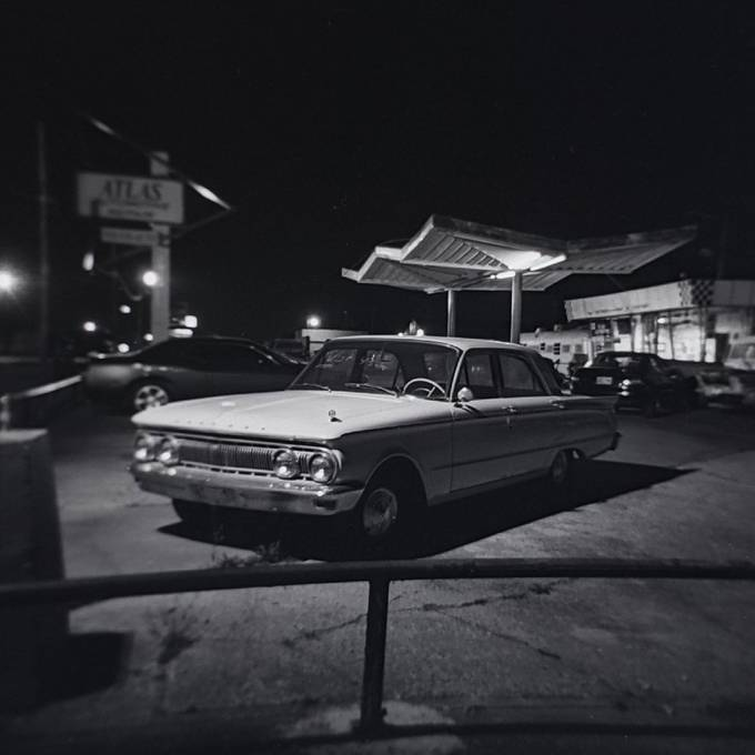 Night photography with Holga GCFN on Fomapan 100 medium format film. Developed in D23 stock.