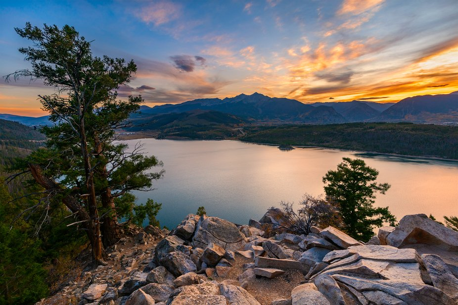 Sunset at Colorado's Sapphire Point overlook.