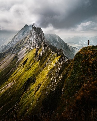 The Dramatic Peaks Of Schäfler