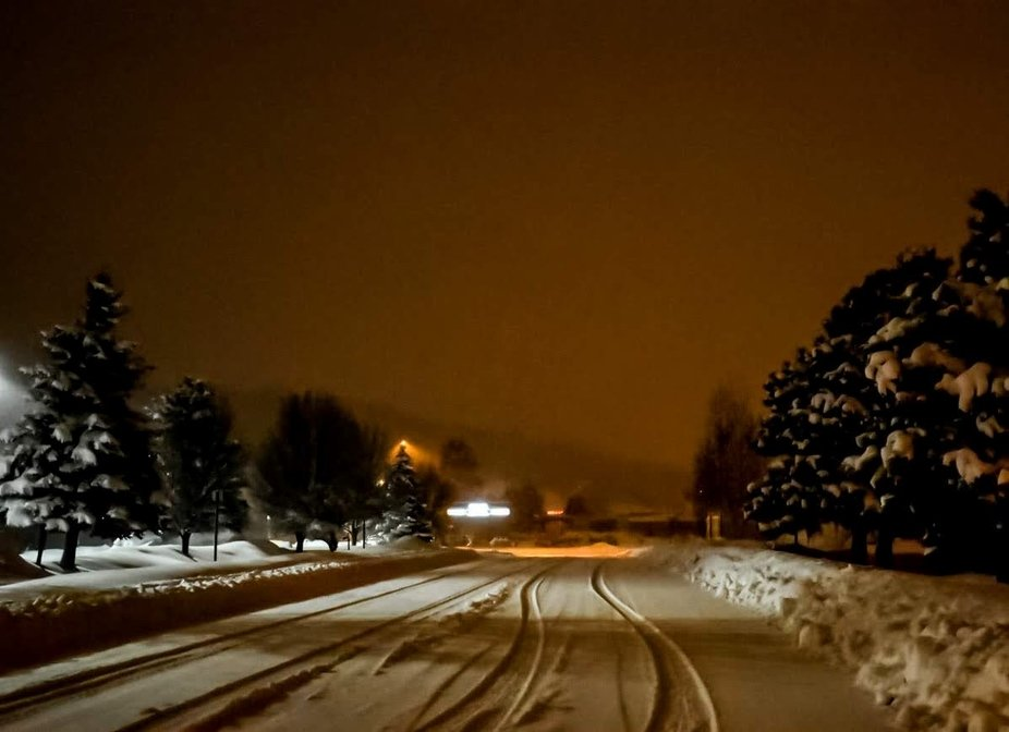 Record snowfall in Flagstaff Arizona.  Almost 3ft in one night.