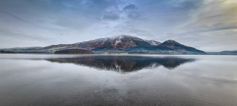 England's 3rd highest mountain, Skiddaw, reflected in Bassenthwaite Lake, Cumbria    Tak...