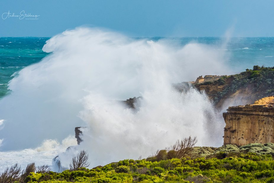 Waves crashing into the coast line near Mutton Bird Island lookout on the Great Ocean Road