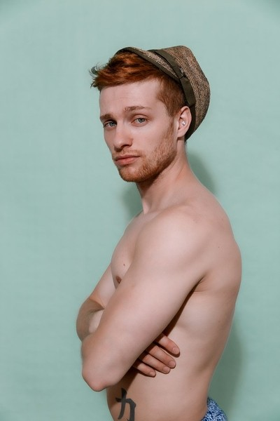 Hugo with hat