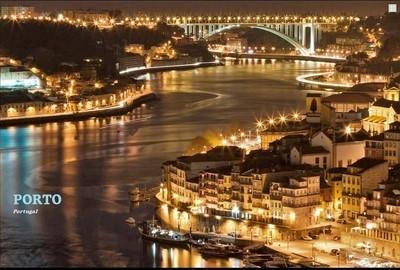 Postcard Porto by night