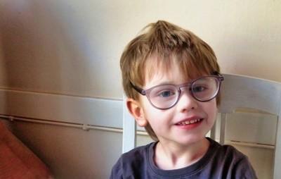 Hampus with glasses.JPG