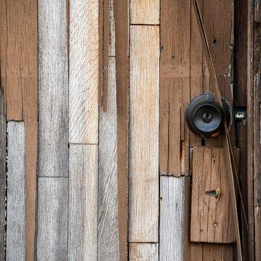 Door of many pieces