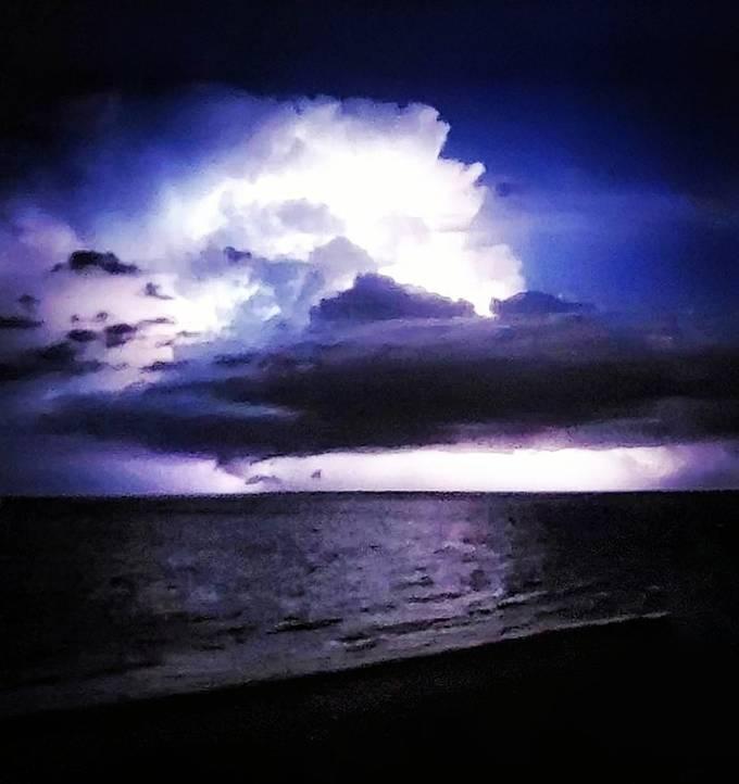 Florida night storm cell