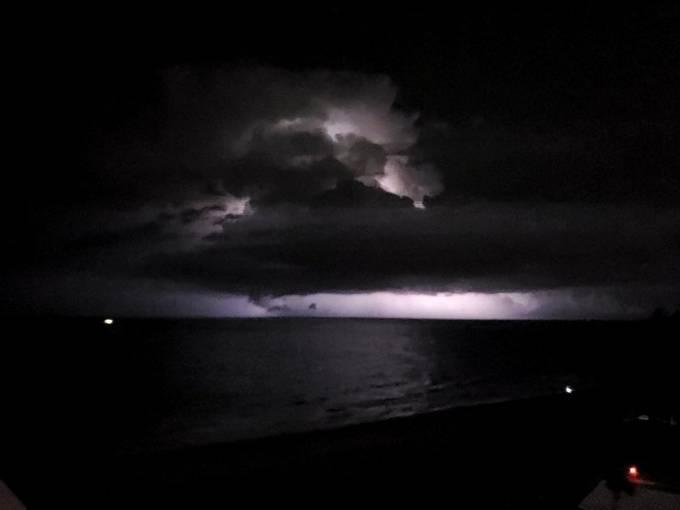 lightening beyond the cell, Florida