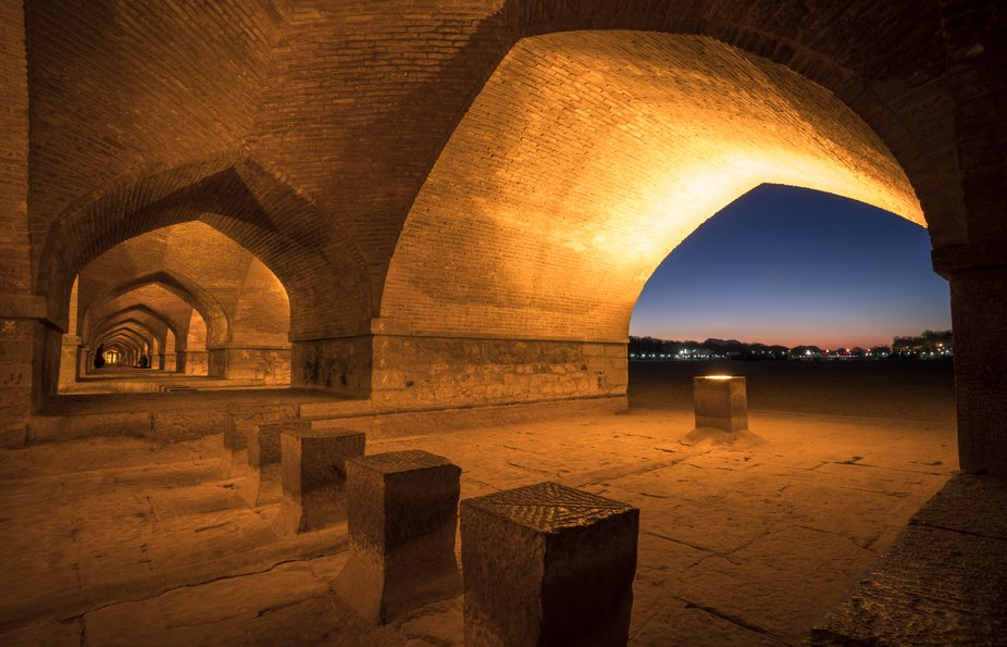 The Si-o-se Pol Bridge in the Iranian city of Isfahan consists of a total of 33 arches. Si-o-se stands for 33 in the Persian language. It is considered a masterpiece of medieval bridge art (Middle Ages according to the Gregorian calendar) and was built in the Safavid period (Muslim heyday). The order came from the famous Shah Abbas I.