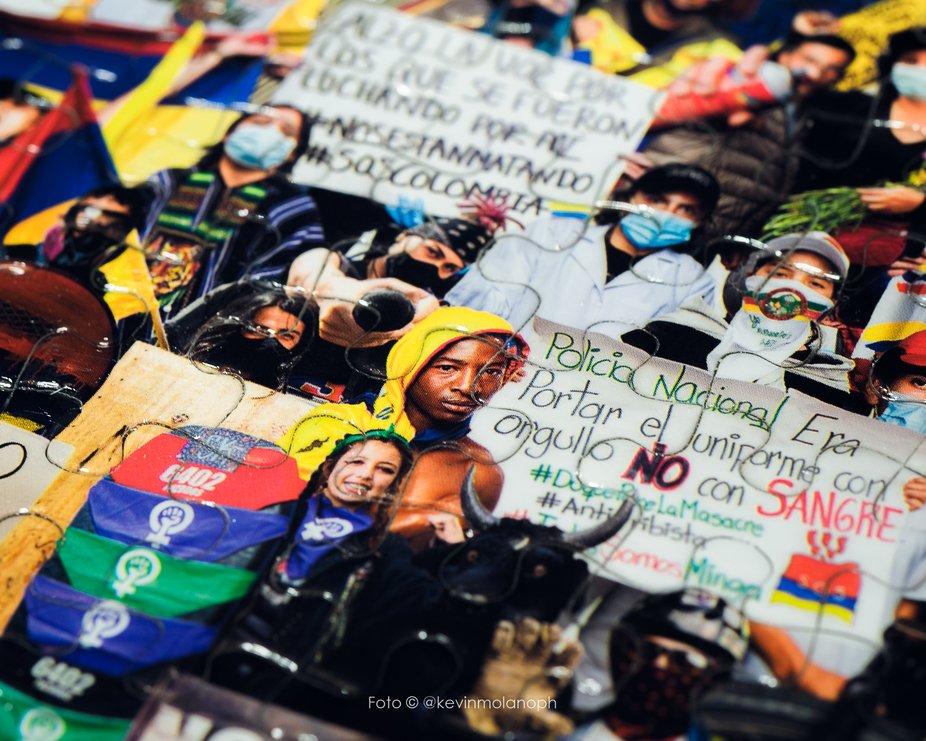 rompecabezas colombia resiste_@kevinmolanoph_ caja de juegos colombia (13 de 19).JPG